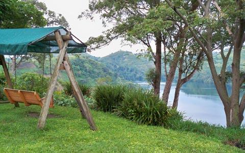Ausblick vom Garten der Ndali Lodge