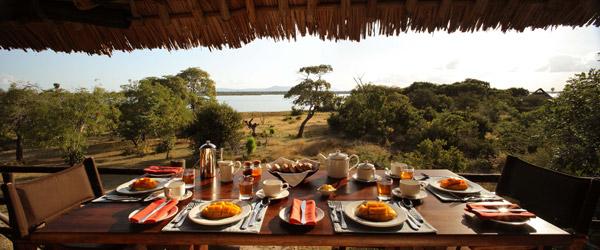 Frühstück in Siwandu mit Blick auf den Nzerakera-See