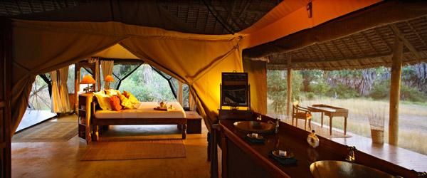 Siwandu, Zeltchalet und Badezimmer
