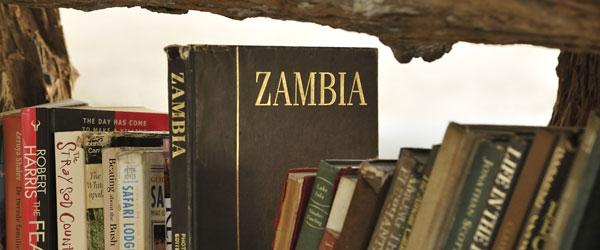 Bibliothek im Tena Tena Camp © Foto: Marco Penzel   Outback Africa Erlebnisreisen