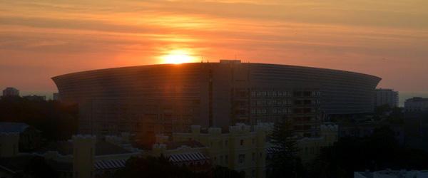 Das Stadion von Kapstadt im Sonnenuntergang, © Foto: Doreen Schütze | Outback Africa Erlebnisreisen