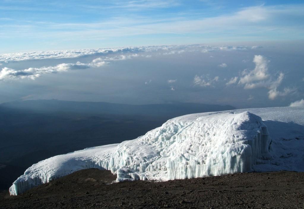 Blick vom Kilimanjaro auf einen der Gletscher © Foto: Christoph Flämig