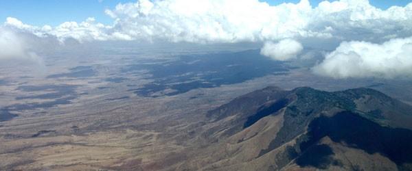 Flug über die Bergketten um Ngorongoro © Foto: Outback Africa Erlebnisreisen