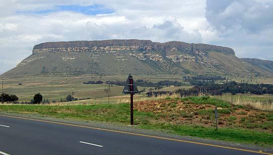 Landschaft auf dem Weg von Durban nach Johannesburg © Foto: Jens Döring - Outback Africa Erlebnisreisen