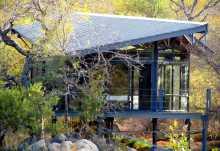 Greenfire Game Lodge, neues Chalet mit Glas und Stahl