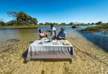 Pelo Camp, Lunch im Okavango-Delta  © Foto: Dana Allen | Wilderness Safaris