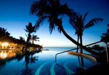 Indigo Bay, Pool am Abend