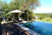 Khaya Ndlovu Manor House, schöne Poolanlage  © Foto: Jens Döring | Outback Africa