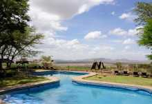 Pool der Serengeti Sopa Lodge.  © Foto: Marco Penzel | Outback Africa