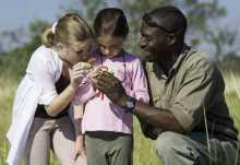 Seba Camp, Kinder auf Entdeckungstour  © Foto: Dana Allen | Wilderness Safaris
