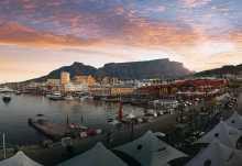 An der Waterfront von Kapstadt vor dem Tafelberg.  © Foto: Mike Story SATGreat Stock