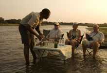 Sundwoner im Sambesi  © Foto: African Bush Camps