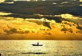 Fischer im Morgenlicht  © Foto: Svenja Penzel | Outback Africa