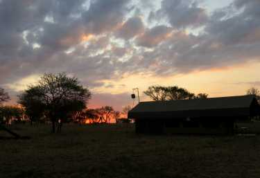 Serengeti View Camp. Sonnenaufgang  © Foto: Susanne Schlesinger | Outback Africa