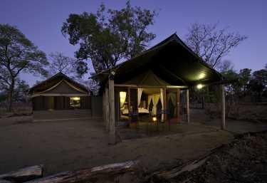 Davisons Camp, Familienzelt  © Foto: Mike Myers für Wilderness Safaris