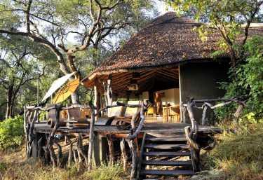 Sonnendeck der Mkulumadzi Lodge  © Foto: Svenja Penzel | Outback Africa