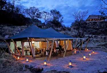 Serengeti Pioneer Camp, Abendbeleuchtung