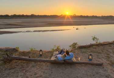 Relaxen am Luangwa - Kakuli Bushcamp  © Foto: Stevie Mann | Time+Tide