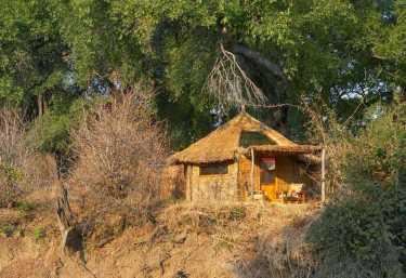 Mwamba Camp, Chalet  © Foto: Shenton Safaris